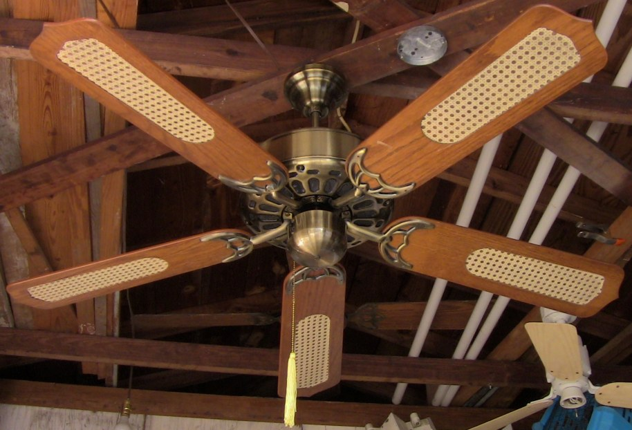Caribbean Electric Ceiling Fan Model C-528SRL