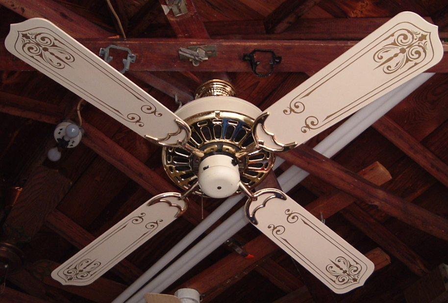 Casablanca Zephyr Vanilla Amp Brass Ceiling Fan