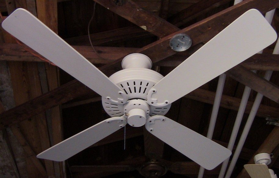 Fasco Charleston Ceiling Fan Model 452 White