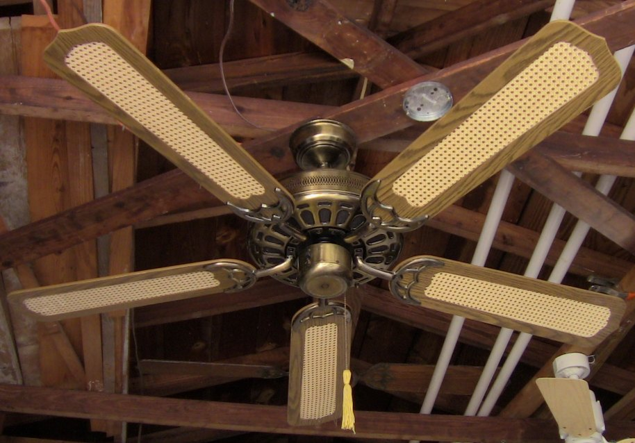 J C Penney Moss Heirloom Deluxe Ceiling Fan Model 52 Quot B