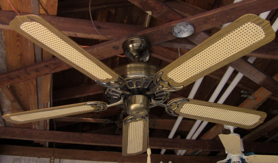 J C Penney Moss Heirloom Deluxe Ceiling Fan Model 757 4002