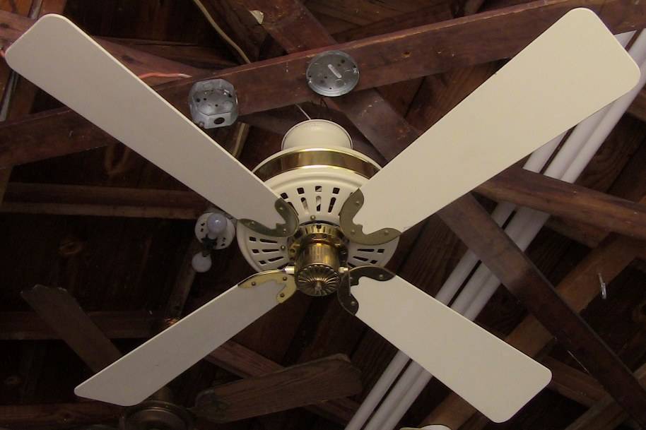 Spartan electric co the centennial ceiling fan model e5200 the first ceiling fan has a variable speed control similar to casablancas slumber quiet system these ceiling fans must have been purchased during the time aloadofball Gallery