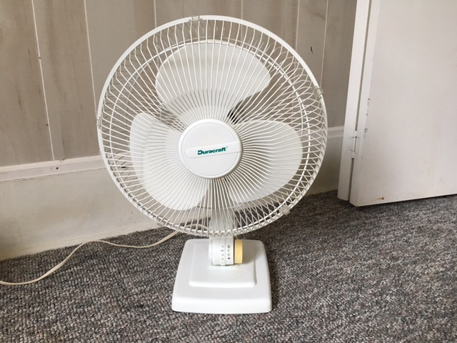 Duracraft 12 inch oscillating table fan