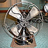 "Menominee ""Clam-Shell"" Desk Fan [Type 150] (8"")"