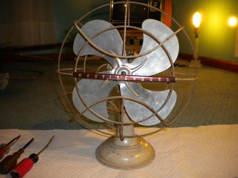 "Westinghouse ""Lively Aire"" Desk Fan (10"") by Rick M. in Westinghouse"